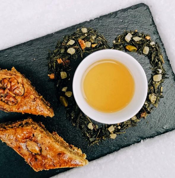 Sencha Baklava Pistazie mit Quinoa (Grünteemischung)